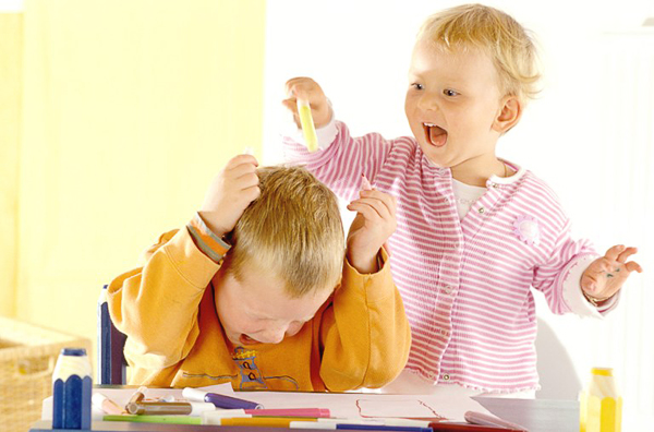 Как научить ребенка 4 лет правильно поступать при ссоре?